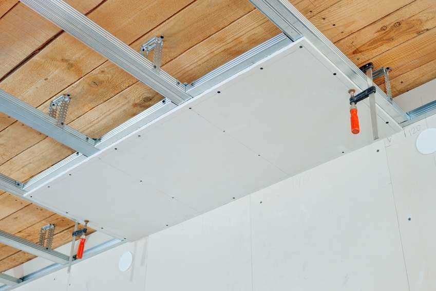 installation faux plafond illustration